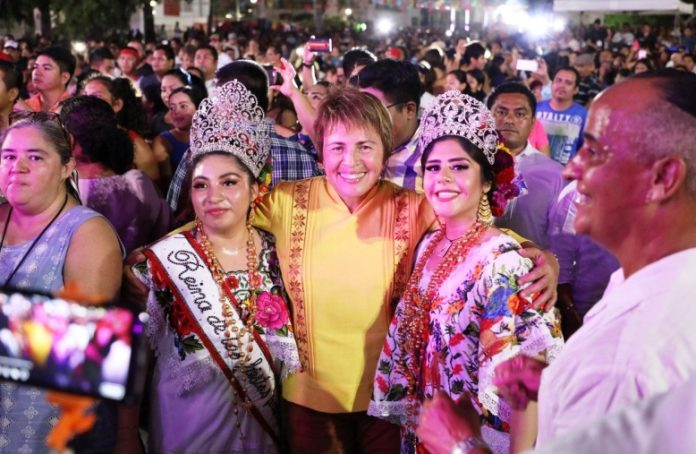 Impulsa Laura Beristain comercio local en Feria del Carmen 2019